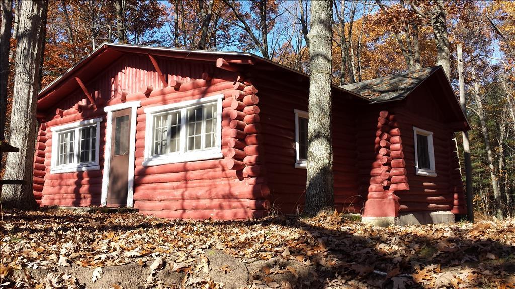 Vacation Rental Cabins in Wellston, MI - PineLakeCabins com
